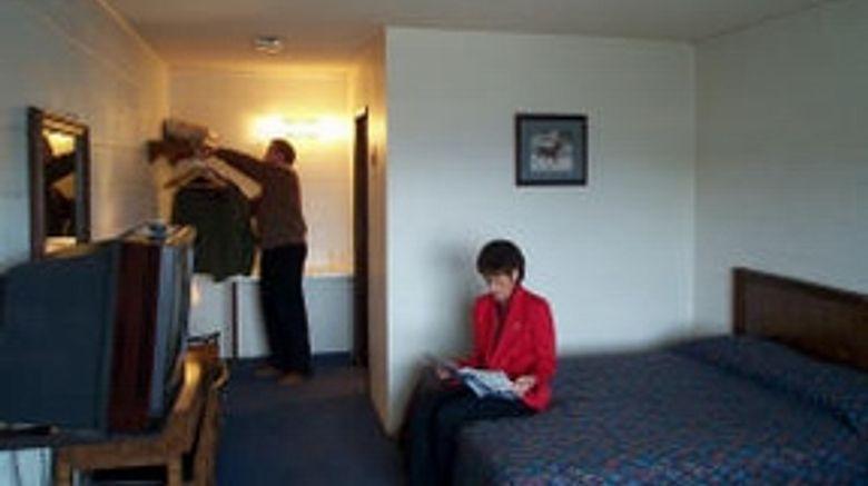 Apple Inn Motel Room