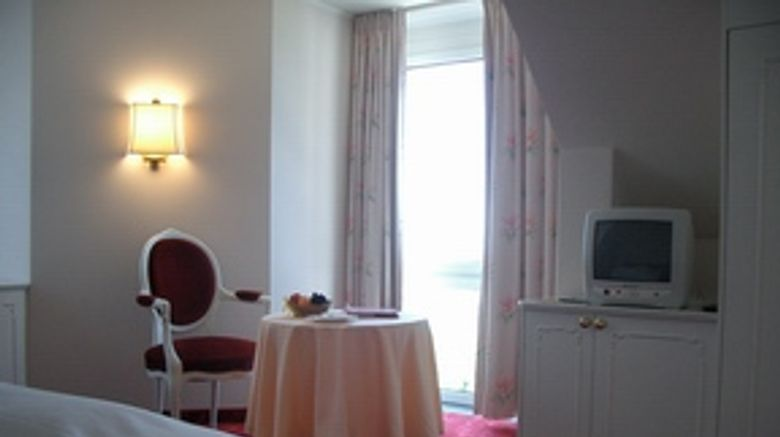 Mozart Hotel Room