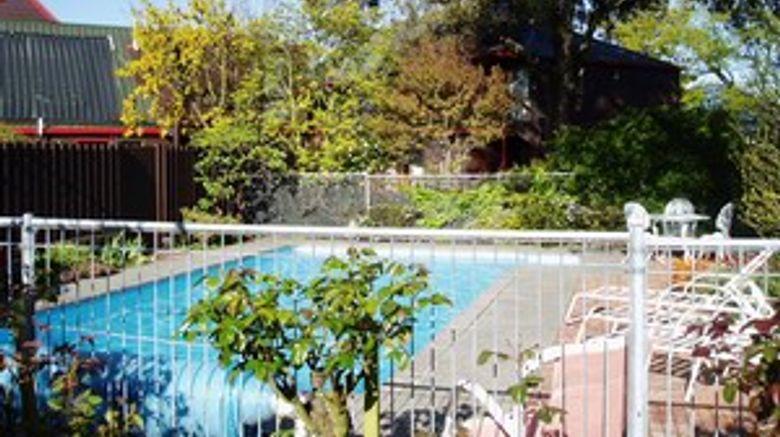 Ashford Motor Lodge Pool
