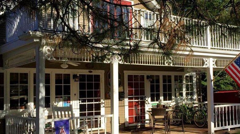 Prescott Pines Inn Bed  and  Breakfast Exterior