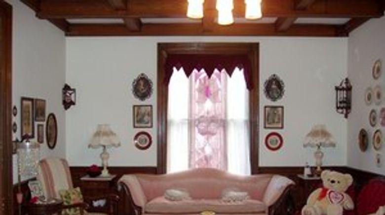 The Cumberland Manor Room