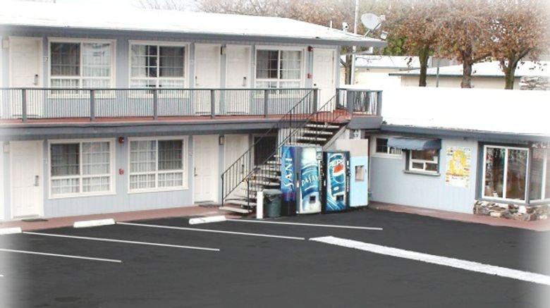 Thunderbird Lodge Exterior