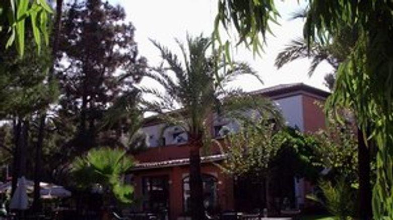 La Racona Hotel Exterior