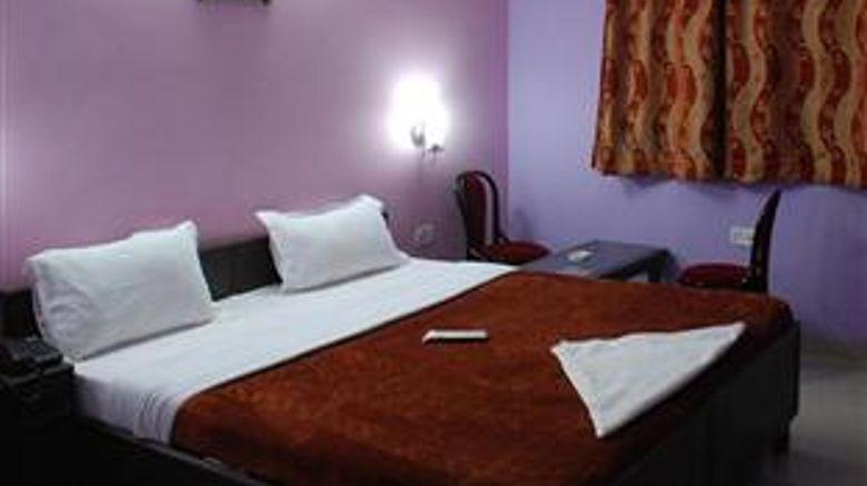 Hotel Mayank Residency near Delhi Arpt Room