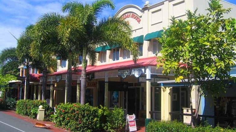 Macrossan House Boutique Holidays Apts Exterior