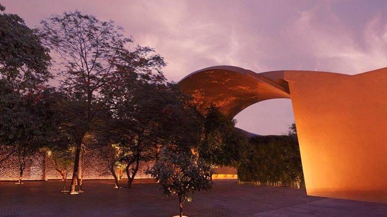 The Roseate New Delhi Exterior