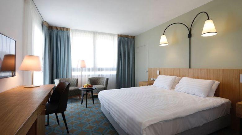 Seven Arches Hotel Room