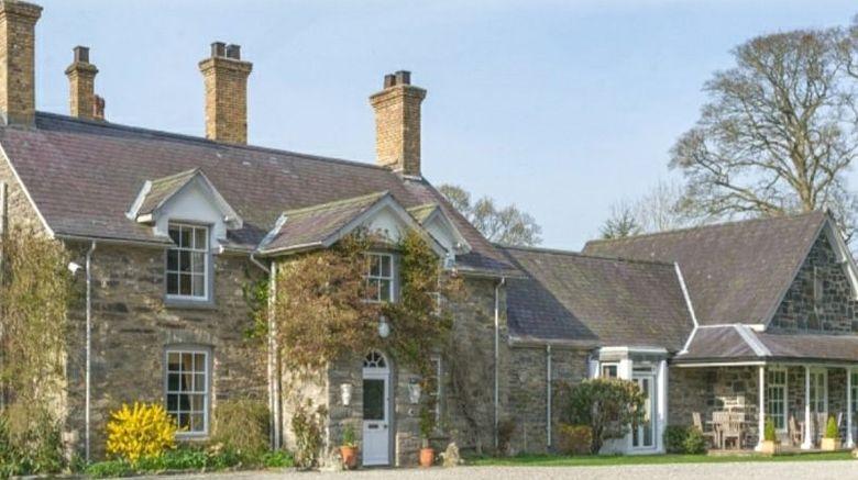 Tyddyn Llan Country House Exterior