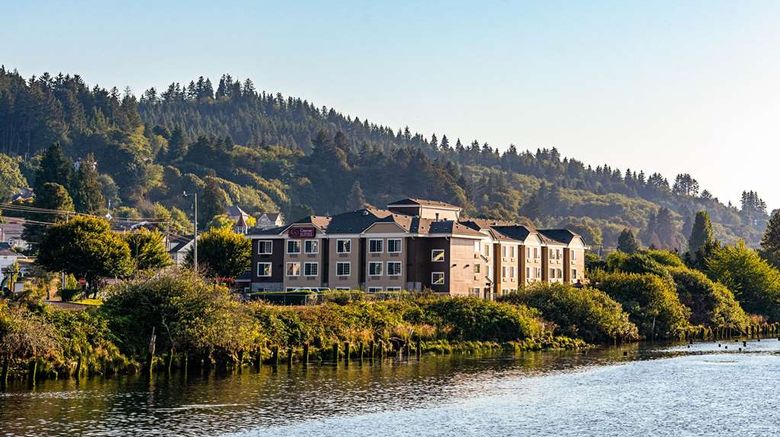 """Comfort Suites Columbia River Exterior. Images powered by <a href=""""http://web.iceportal.com"""" target=""""_blank"""" rel=""""noopener"""">Ice Portal</a>."""
