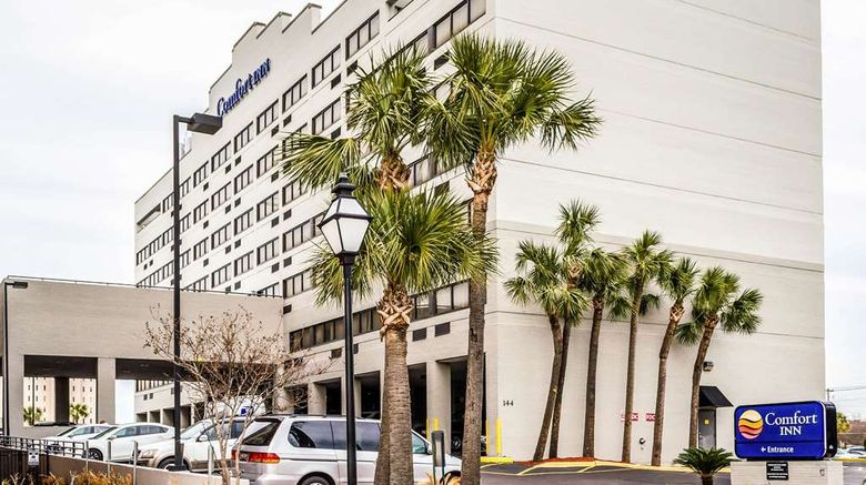 """Comfort Inn Downtown Charleston Exterior. Images powered by <a href=""""http://web.iceportal.com"""" target=""""_blank"""" rel=""""noopener"""">Ice Portal</a>."""