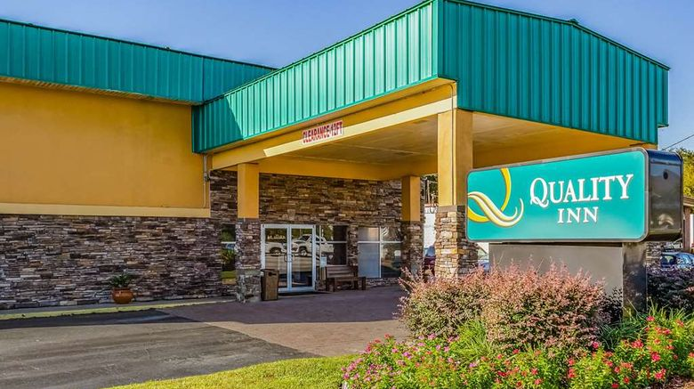 """Quality Inn Charleston Exterior. Images powered by <a href=""""http://web.iceportal.com"""" target=""""_blank"""" rel=""""noopener"""">Ice Portal</a>."""