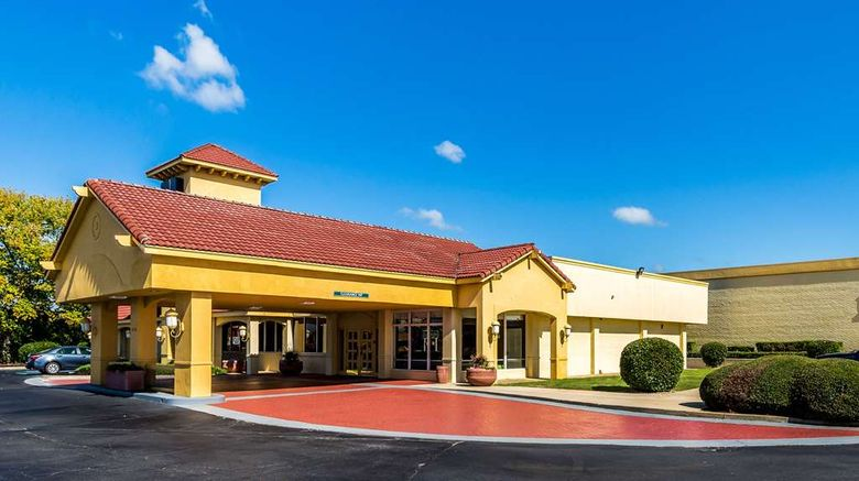 """Quality Inn Anderson Exterior. Images powered by <a href=""""http://web.iceportal.com"""" target=""""_blank"""" rel=""""noopener"""">Ice Portal</a>."""