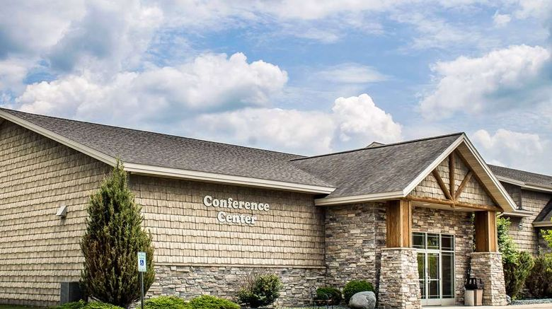 """Rodeway Inn  and  Suites Tomahawk Exterior. Images powered by <a href=""""http://web.iceportal.com"""" target=""""_blank"""" rel=""""noopener"""">Ice Portal</a>."""