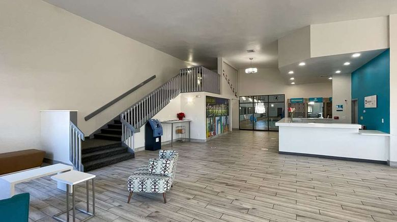 """Econo Lodge Inn  and  Suites Lobby. Images powered by <a href=""""http://web.iceportal.com"""" target=""""_blank"""" rel=""""noopener"""">Ice Portal</a>."""