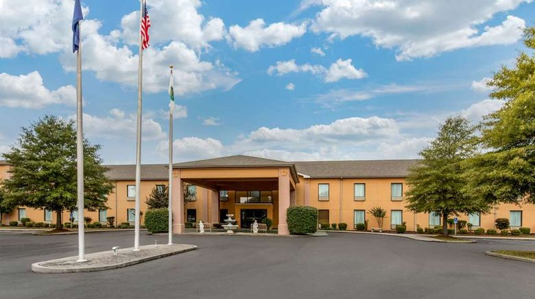 """Quality Inn  and  Suites Benton Draffenville Exterior. Images powered by <a href=""""http://web.iceportal.com"""" target=""""_blank"""" rel=""""noopener"""">Ice Portal</a>."""