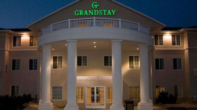 """GrandStay Residential Suites Exterior. Images powered by <a href=""""http://web.iceportal.com"""" target=""""_blank"""" rel=""""noopener"""">Ice Portal</a>."""