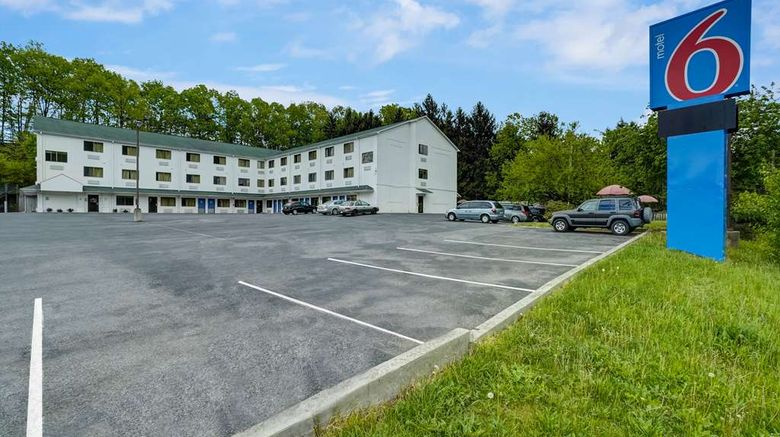 """Motel 6 LA Vale-Cumberland Exterior. Images powered by <a href=""""http://web.iceportal.com"""" target=""""_blank"""" rel=""""noopener"""">Ice Portal</a>."""