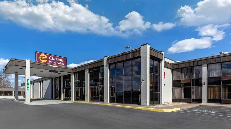 """Clarion Inn  and  Suites Bowling Green Exterior. Images powered by <a href=""""http://web.iceportal.com"""" target=""""_blank"""" rel=""""noopener"""">Ice Portal</a>."""
