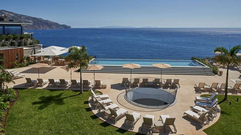 """Les Suites at the Cliff Bay Exterior. Images powered by <a href=""""http://web.iceportal.com"""" target=""""_blank"""" rel=""""noopener"""">Ice Portal</a>."""