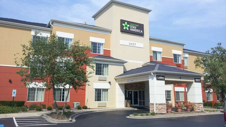 "Extended Stay America Naperville East Exterior. Images powered by <a href=""http://web.iceportal.com"" target=""_blank"" rel=""noopener"">Ice Portal</a>."