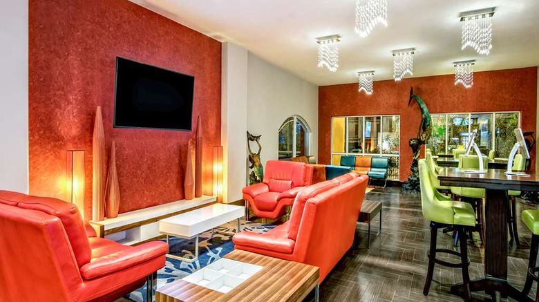 """La Copa Inn  and  Suites Lobby. Images powered by <a href=""""http://web.iceportal.com"""" target=""""_blank"""" rel=""""noopener"""">Ice Portal</a>."""