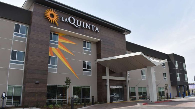 """La Quinta Inn  and  Suites Exterior. Images powered by <a href=""""http://web.iceportal.com"""" target=""""_blank"""" rel=""""noopener"""">Ice Portal</a>."""