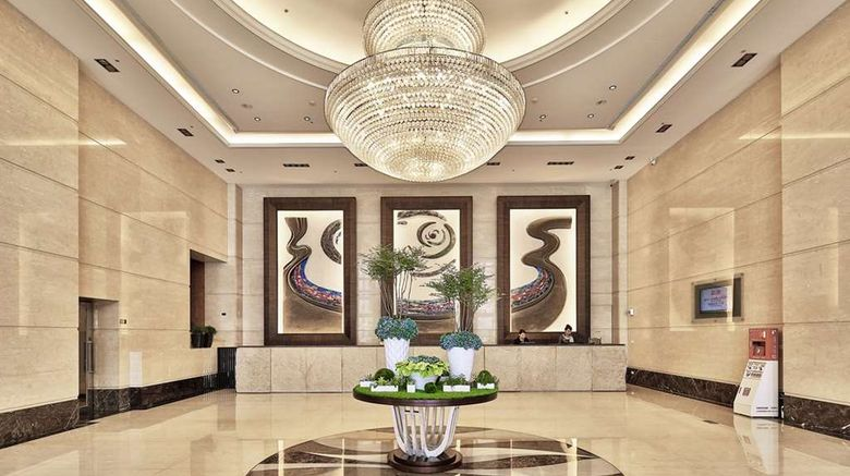 """Queena Plaza Hotel Lobby. Images powered by <a href=""""http://web.iceportal.com"""" target=""""_blank"""" rel=""""noopener"""">Ice Portal</a>."""