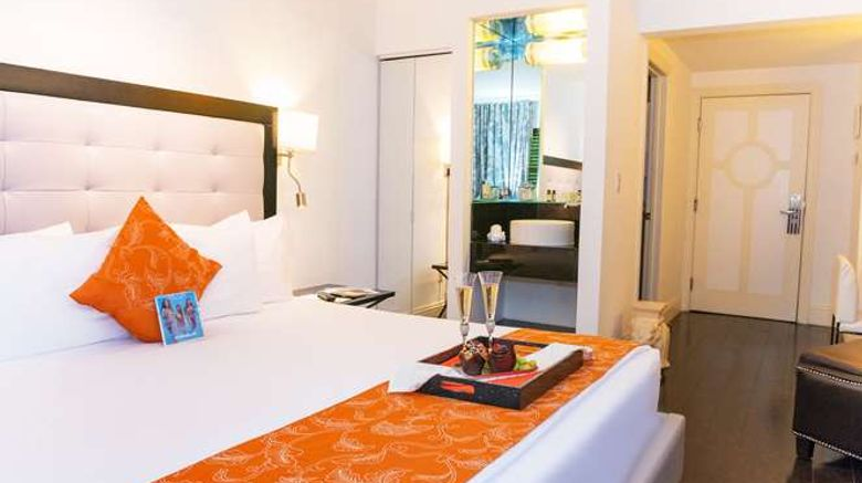 """Riviera South Beach Room. Images powered by <a href=""""http://web.iceportal.com"""" target=""""_blank"""" rel=""""noopener"""">Ice Portal</a>."""