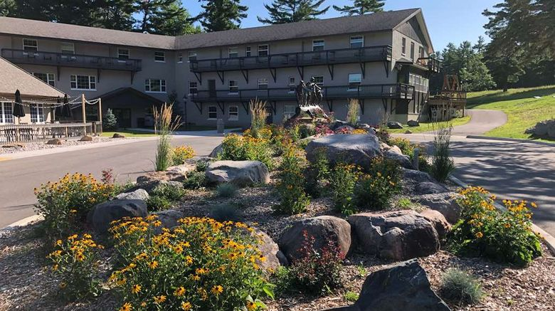 """Pine Mountain Resort, Trademark Hotel Exterior. Images powered by <a href=""""http://web.iceportal.com"""" target=""""_blank"""" rel=""""noopener"""">Ice Portal</a>."""