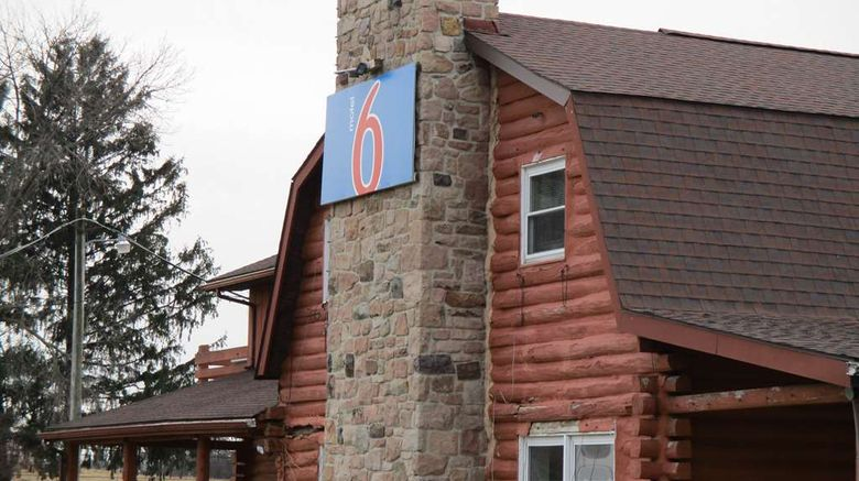 """Motel 6 Shartlesville Exterior. Images powered by <a href=""""http://web.iceportal.com"""" target=""""_blank"""" rel=""""noopener"""">Ice Portal</a>."""