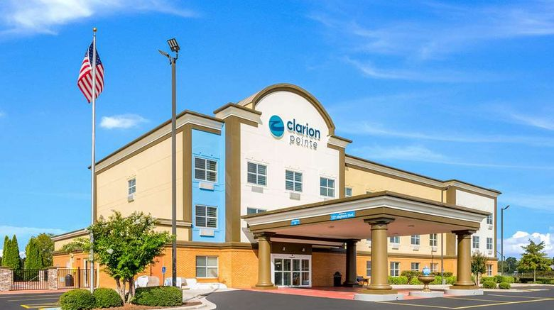 """Clarion Pointe Huntsville Airport Exterior. Images powered by <a href=""""http://web.iceportal.com"""" target=""""_blank"""" rel=""""noopener"""">Ice Portal</a>."""
