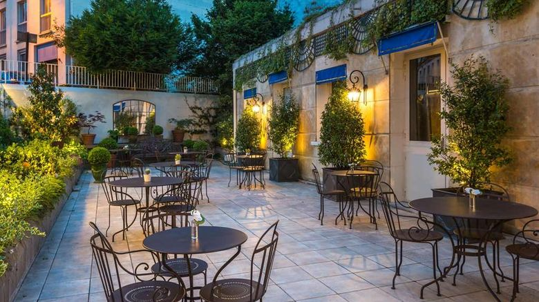 """Le Versailles Hotel Exterior. Images powered by <a href=""""http://web.iceportal.com"""" target=""""_blank"""" rel=""""noopener"""">Ice Portal</a>."""