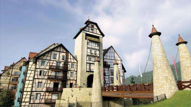 """Colmar Tropicale, Berjaya Hills Exterior. Images powered by <a href=""""http://web.iceportal.com"""" target=""""_blank"""" rel=""""noopener"""">Ice Portal</a>."""