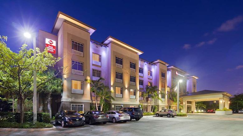 """Best Western Plus Miami Apt North Exterior. Images powered by <a href=""""http://web.iceportal.com"""" target=""""_blank"""" rel=""""noopener"""">Ice Portal</a>."""
