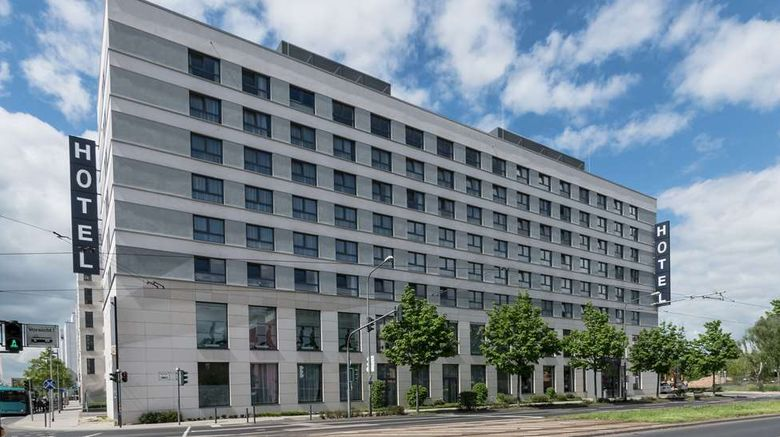 """Best Western Plus Welcome Hotel FRA Exterior. Images powered by <a href=""""http://web.iceportal.com"""" target=""""_blank"""" rel=""""noopener"""">Ice Portal</a>."""
