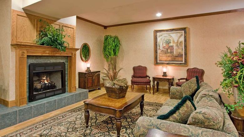 """Country Inn  and  Suites Somerset Lobby. Images powered by <a href=""""http://web.iceportal.com"""" target=""""_blank"""" rel=""""noopener"""">Ice Portal</a>."""