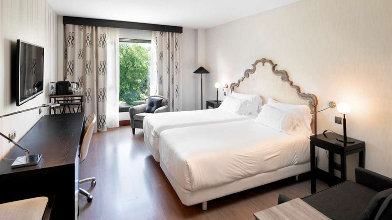 """Palacio de Aviles Room. Images powered by <a href=""""http://web.iceportal.com"""" target=""""_blank"""" rel=""""noopener"""">Ice Portal</a>."""