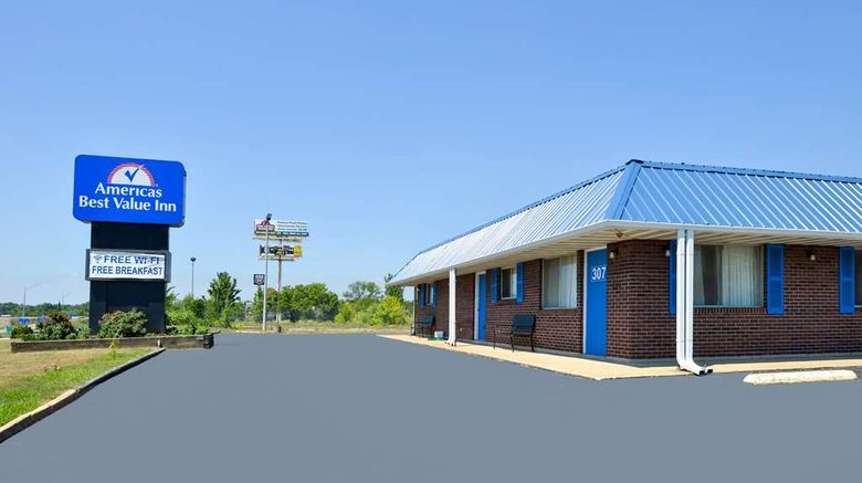 """Americas Best Value Inn Sullivan Exterior. Images powered by <a href=""""http://web.iceportal.com"""" target=""""_blank"""" rel=""""noopener"""">Ice Portal</a>."""