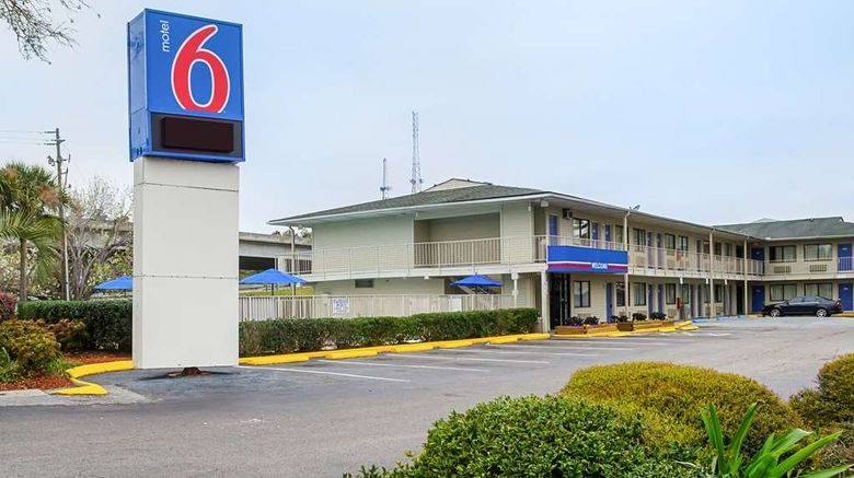 """Motel 6 Charleston South Exterior. Images powered by <a href=""""http://web.iceportal.com"""" target=""""_blank"""" rel=""""noopener"""">Ice Portal</a>."""