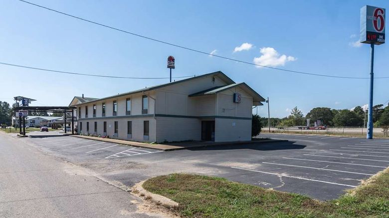 """Motel 6 Arkadelphia Exterior. Images powered by <a href=""""http://web.iceportal.com"""" target=""""_blank"""" rel=""""noopener"""">Ice Portal</a>."""