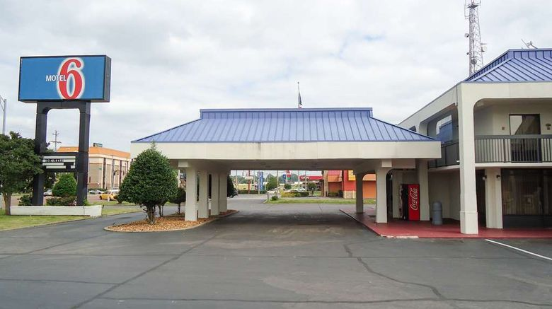 """Motel 6 Memphis Northeast Exterior. Images powered by <a href=""""http://web.iceportal.com"""" target=""""_blank"""" rel=""""noopener"""">Ice Portal</a>."""