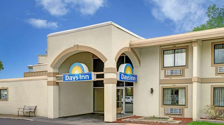 """Days Inn Bloomington West Exterior. Images powered by <a href=""""http://web.iceportal.com"""" target=""""_blank"""" rel=""""noopener"""">Ice Portal</a>."""