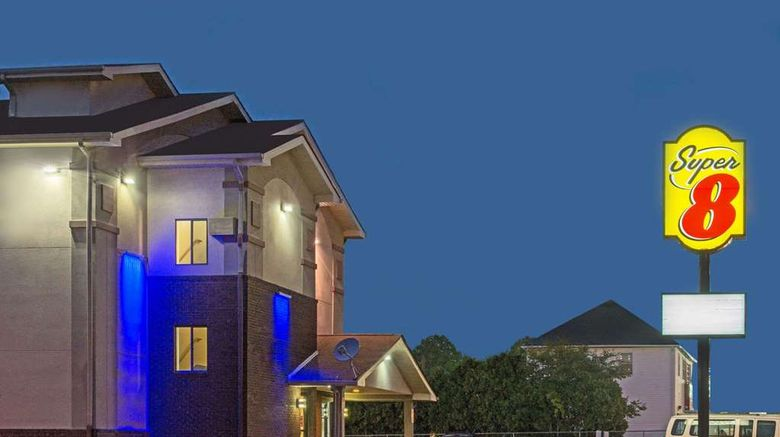 """Super 8 New Castle Exterior. Images powered by <a href=""""http://web.iceportal.com"""" target=""""_blank"""" rel=""""noopener"""">Ice Portal</a>."""