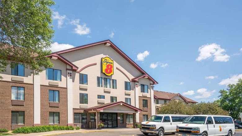 """Super 8 Bloomington/Airport Exterior. Images powered by <a href=""""http://web.iceportal.com"""" target=""""_blank"""" rel=""""noopener"""">Ice Portal</a>."""