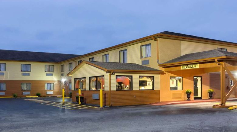 """Super 8 Richmond Exterior. Images powered by <a href=""""http://web.iceportal.com"""" target=""""_blank"""" rel=""""noopener"""">Ice Portal</a>."""