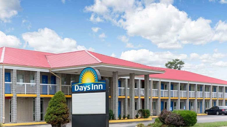 """Days Inn Richmond Exterior. Images powered by <a href=""""http://web.iceportal.com"""" target=""""_blank"""" rel=""""noopener"""">Ice Portal</a>."""
