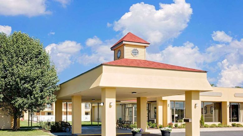 """Days Inn Easton Exterior. Images powered by <a href=""""http://web.iceportal.com"""" target=""""_blank"""" rel=""""noopener"""">Ice Portal</a>."""