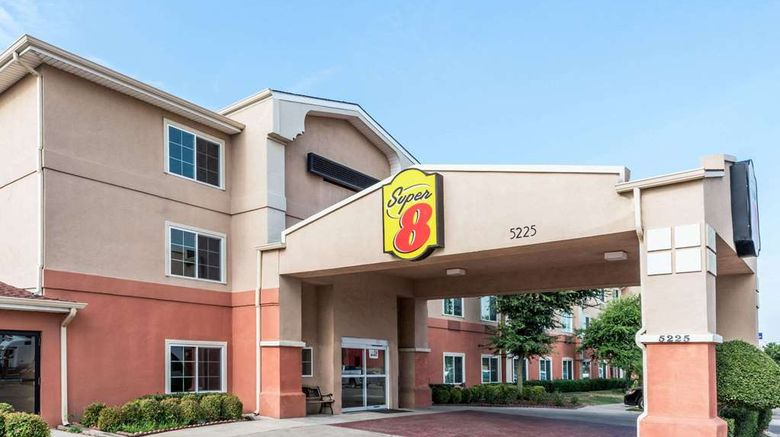 """Super 8 Fort Worth North Exterior. Images powered by <a href=""""http://web.iceportal.com"""" target=""""_blank"""" rel=""""noopener"""">Ice Portal</a>."""