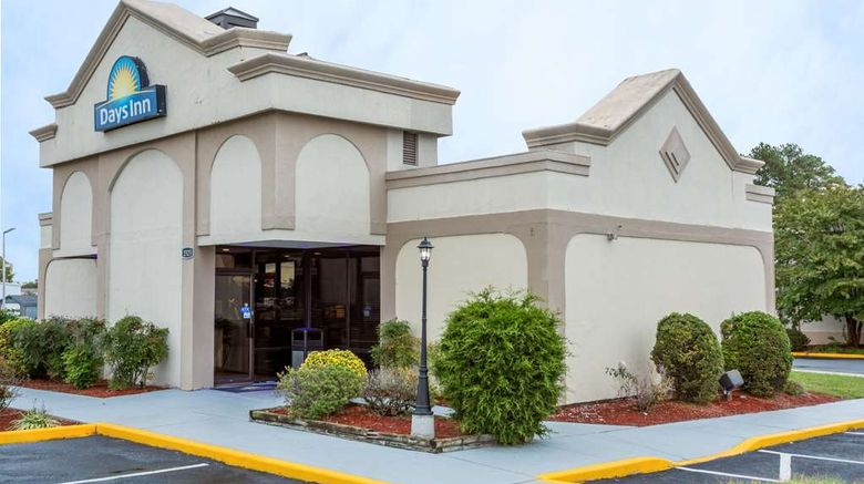 """Days Inn Salisbury Exterior. Images powered by <a href=""""http://web.iceportal.com"""" target=""""_blank"""" rel=""""noopener"""">Ice Portal</a>."""