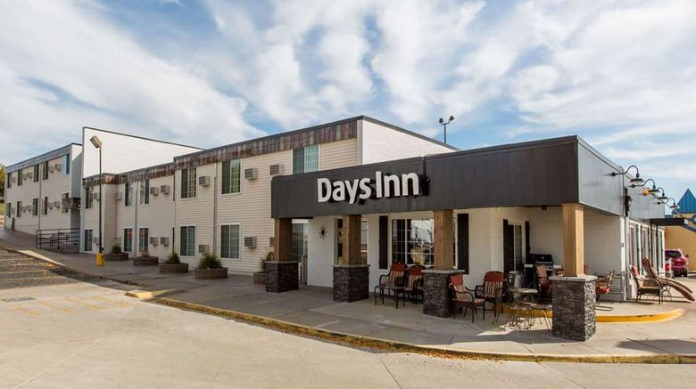 "Days Inn Pierre Exterior. Images powered by <a href=""http://web.iceportal.com"" target=""_blank"" rel=""noopener"">Ice Portal</a>."